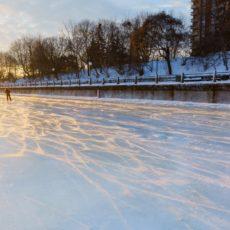 Frozen Ottawa Canal at sunrise - Pix on Trips