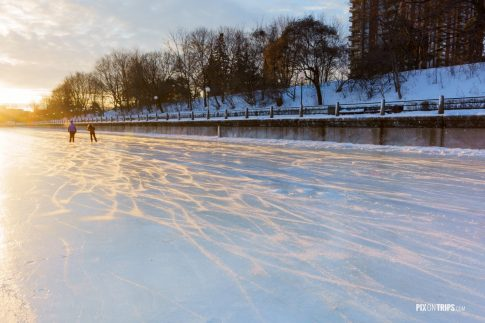 Frozen Ottawa Canal at sunrise - Pix on Trips