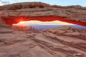Mesa Arch at Sunrise - Pix on Trips