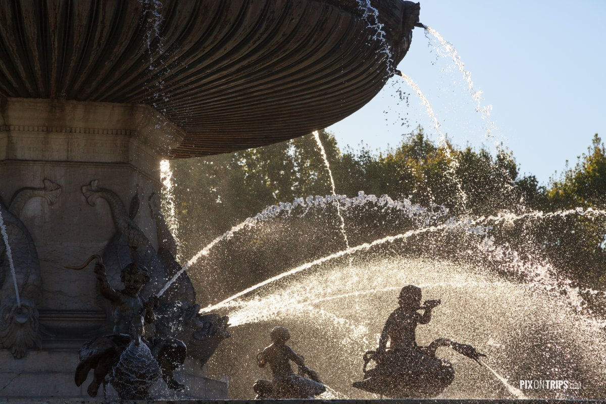 Close-up view of Fontaine de la Rotonde - Pix on Trips