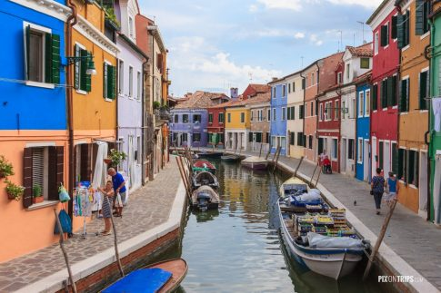 A quiet morning in Burano, Italy - Pix on Trips