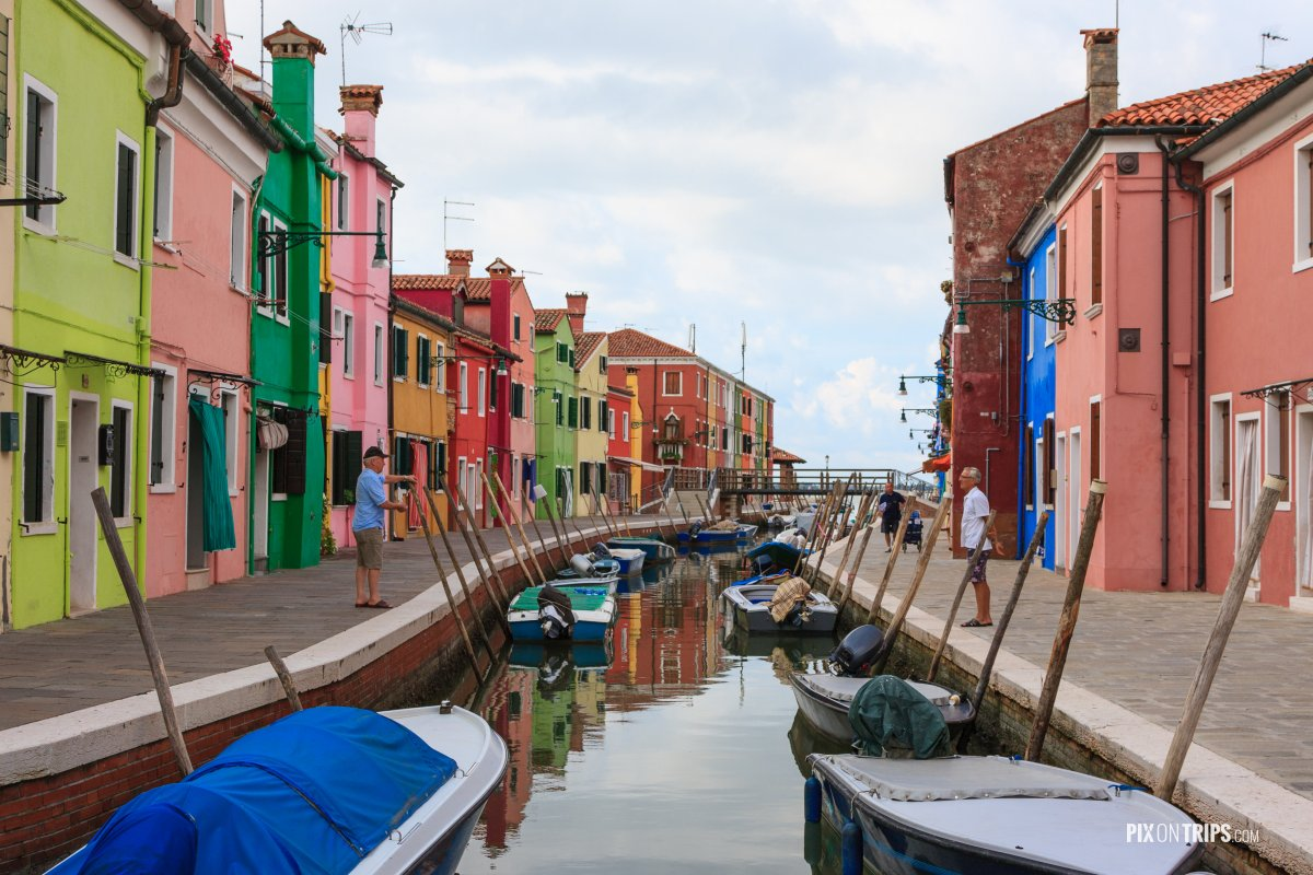 A summer morning in Burano, Italy - Pix on Trips