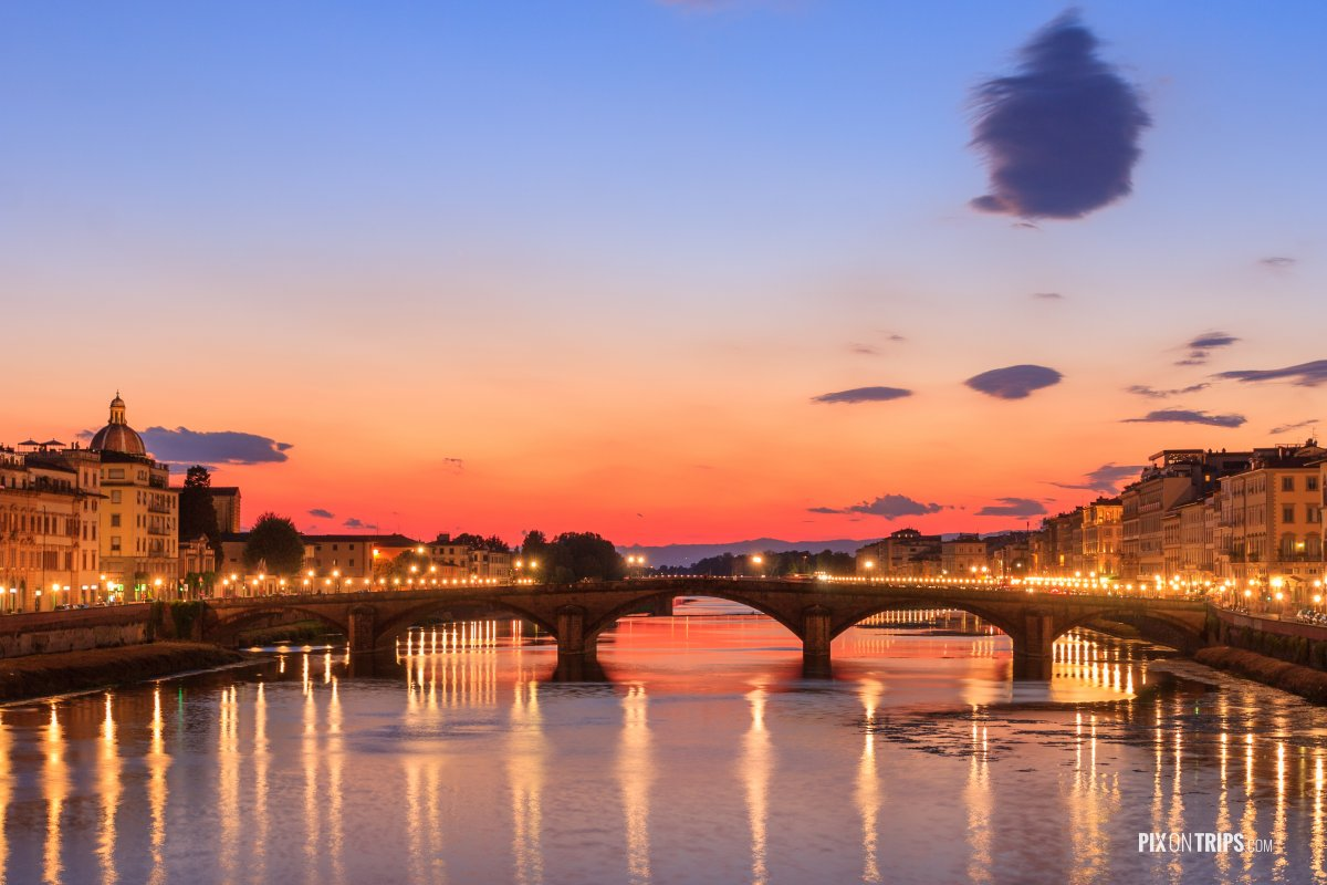 Arno River of Florence at dusk - Pix on Trips