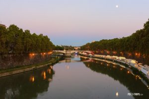 Tiber River of Rome at dusk - Pix on Trips