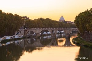 Tiber River of Rome at sunset - Pix on Trips