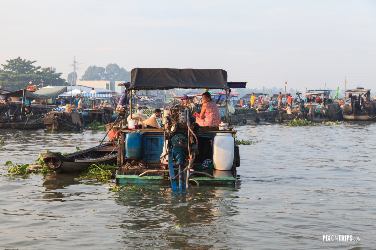 Cai Rang floating market in early morning, Vietnam - Pix on Trips