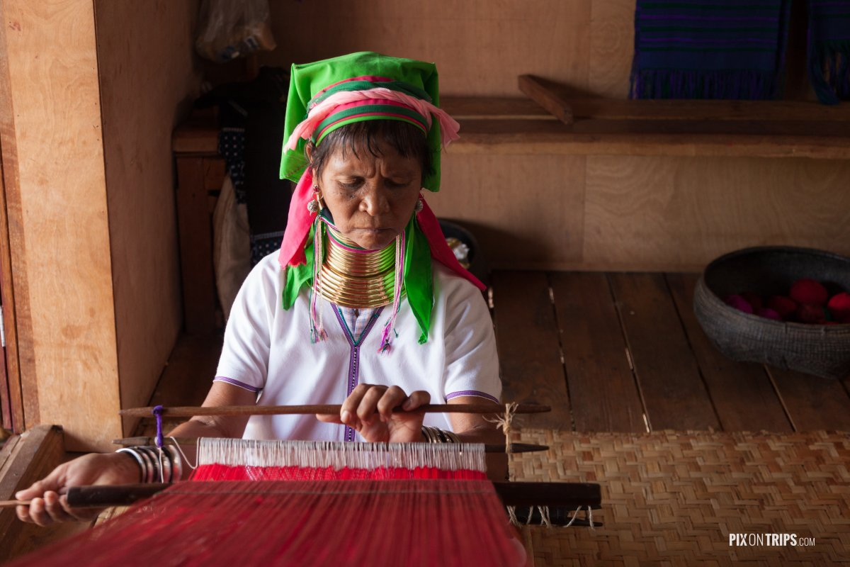 Padaung (long neck) women weaving, Lake Inle, Myanmar - Pix on Trips