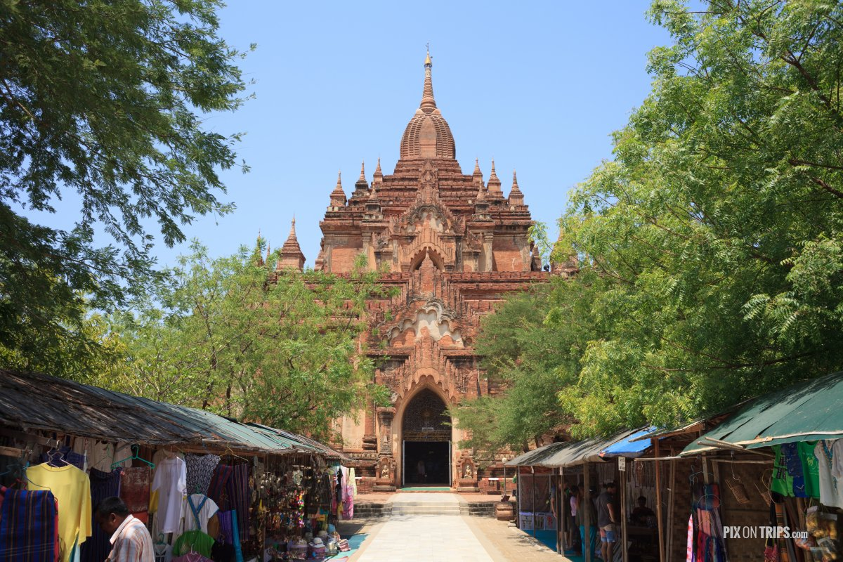 Sulamani Temple with vendors, Bagan, Myanmar - Pix on Trips
