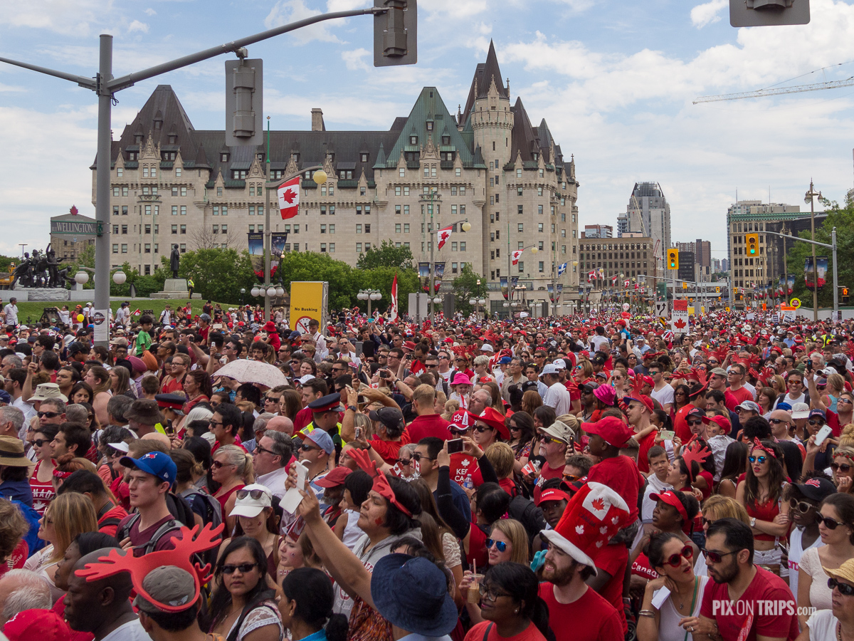 Downtown Ottawa is packed with people on 2016 Canada Day