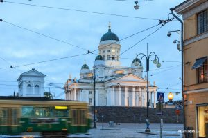Tram passing by Helsinki Senate Square - Pix on Trips