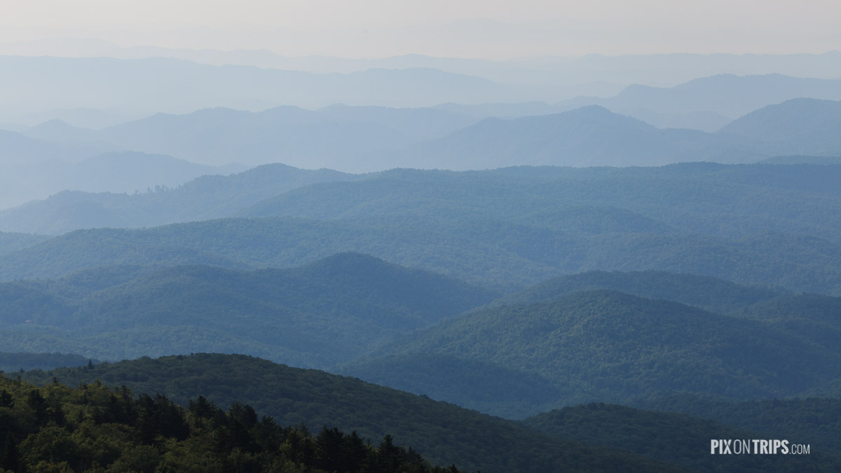 View of mountain ranges from Grandfather Mountain - Pix on Trips