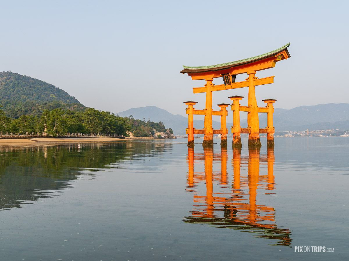 The Grand Torii Gate, Miyajima, Japan - Pix on Trips