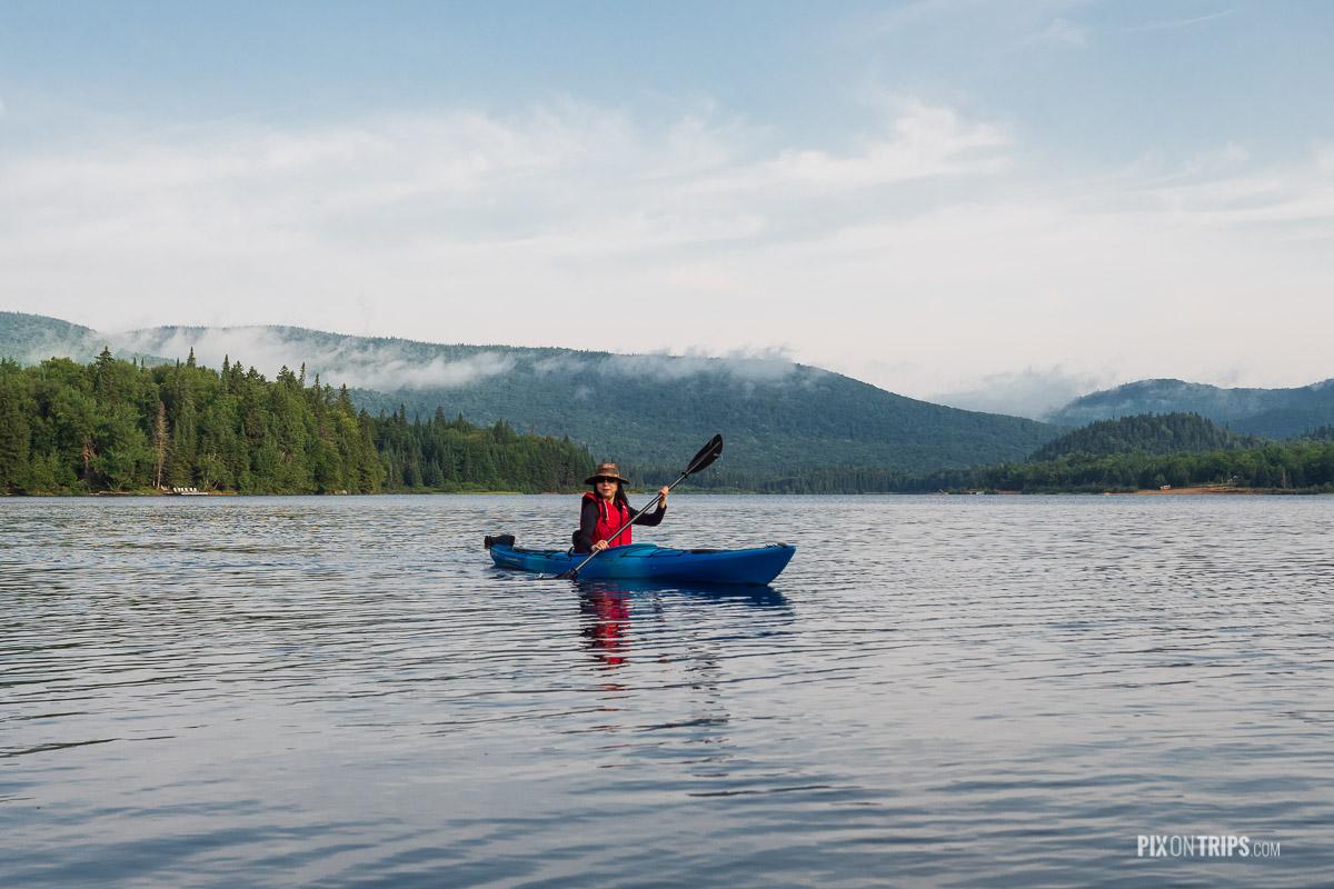 Hongping Kayaking on Lake Monroe, Parc National du Mont-Temblant - Pix on Trips